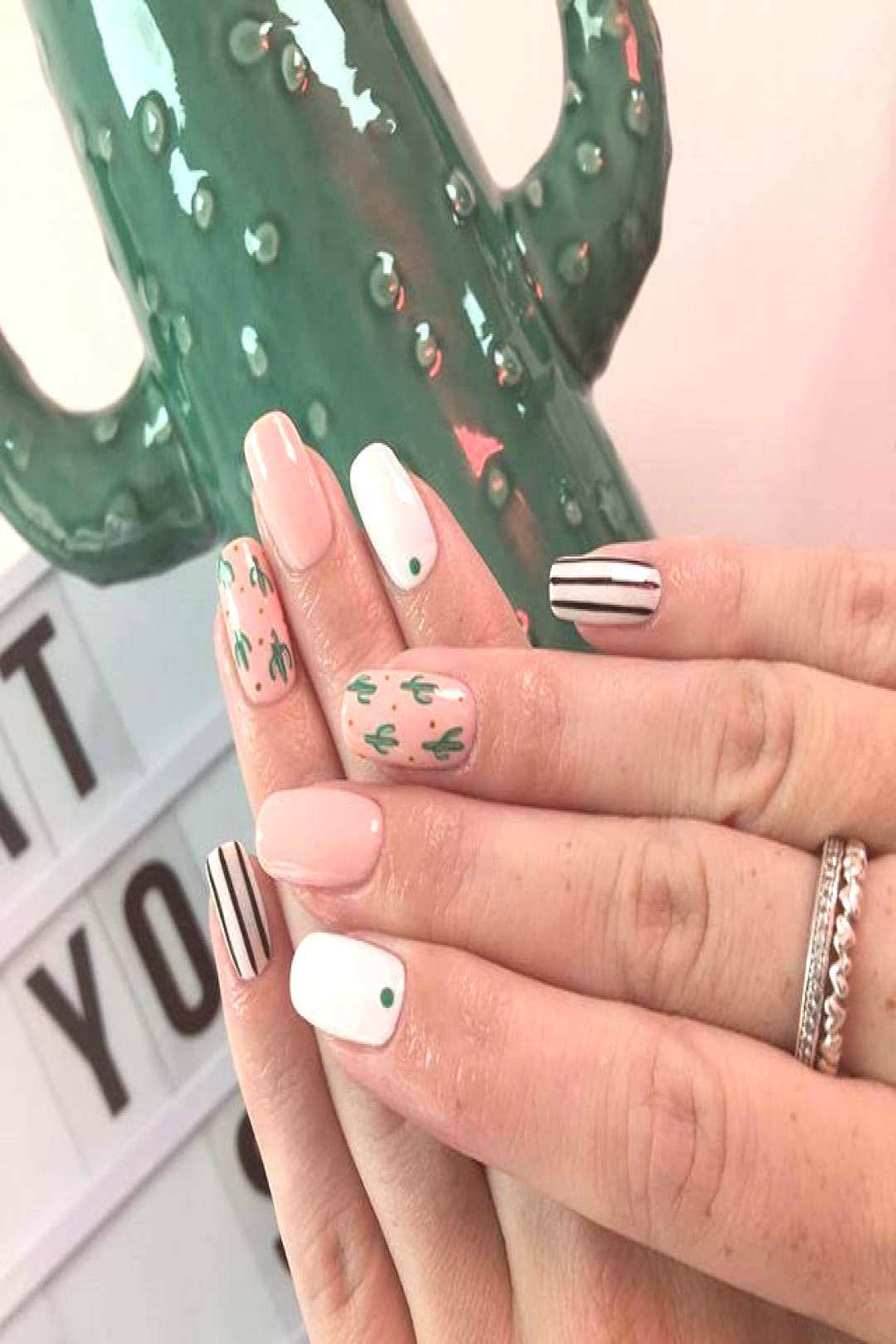 Cute lil' cactus accents by our nail art queen and gel polish expert sweet is this set? Desert drea