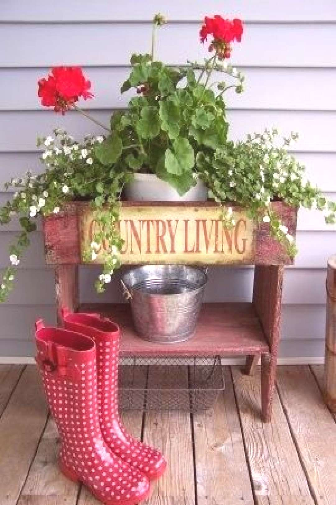 frontporches-swee... Love red geraniums and polka dot boots!-frontporches-swee… Love red geranium